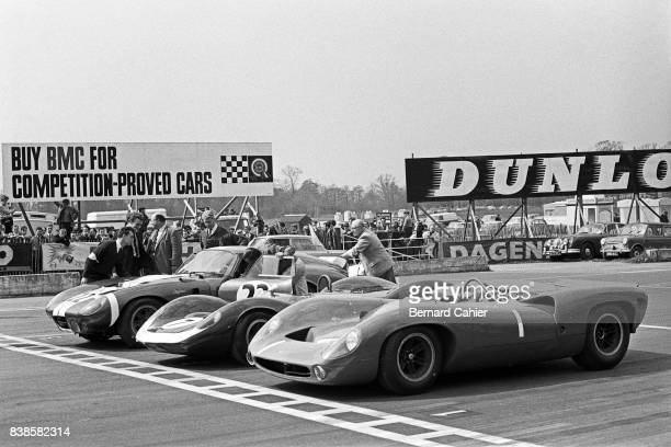 John Surtees Jim Clark Jack Sears Shelby Cobra Daytona Coupe LotusFord 30 LolaChevrolet T70 Tourist Trophy Oulton Park 01 May 1965