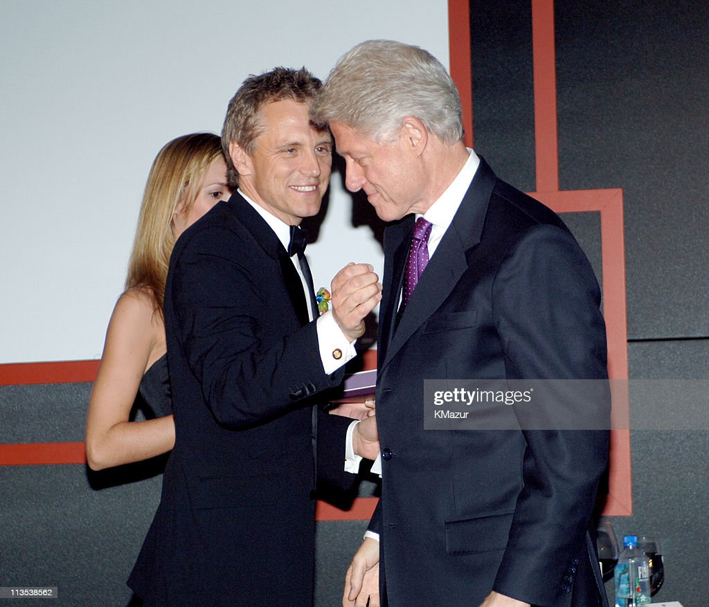 John Sykes and Bill Clinton during 40th Anniversary of Syracuse University's SI Newhouse School of Public Communication May 3 2005 at Mandarin...