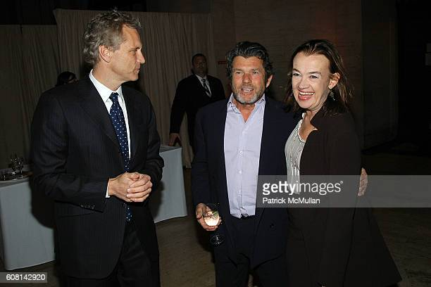 John Sykes Jann Wenner and Judy McGrath attend VANITY FAIR Tribeca Film Festival Party hosted by GRAYDON CARTER and ROBERT DE NIRO at The State...