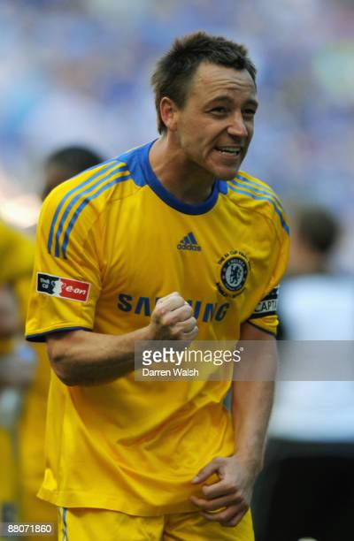 John Terry of Chelsea celebrates victory following the FA Cup sponsored by EON Final match between Chelsea and Everton at Wembley Stadium on May 30...