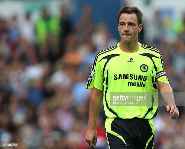 John Terry of Chelsea leaves the pitch after the Premier league football match against Aston Villa at Villa Park Birmingham 02 September 2007 AFP...