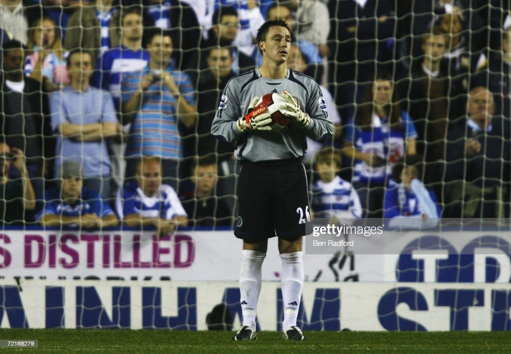 John Terry of Chelsea replaces Carlo Cudicini in goal during the Barclays Premiership match between Reading and Chelsea at the Madejski Stadium on...