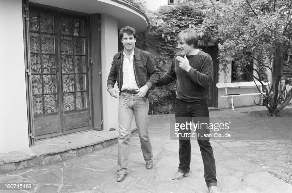 John travolta and gerard depardieu on aweekend in bougival for Maison john travolta