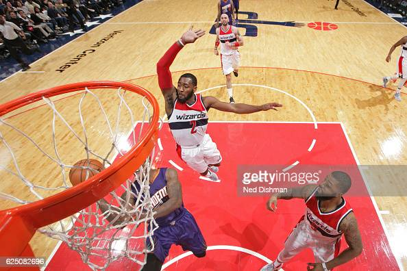 John Wall of the Washington Wizards blocks the shot of Eric Bledsoe of the Phoenix Suns on November 21 2016 at Verizon Center in Washington DC NOTE...