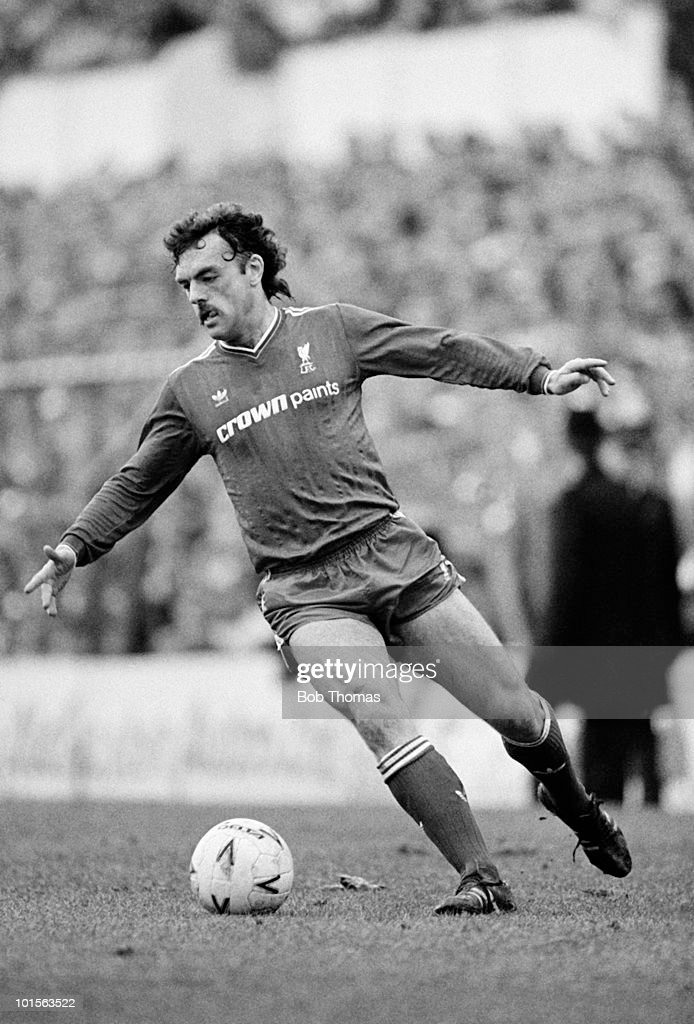 John Wark of Liverpool in action against Southampton during the FA Cup Semi-Final held at White Hart Lane, London on 5th April 1986. Liverpool beat Southampton 2-0. (Bob Thomas/Getty Images).