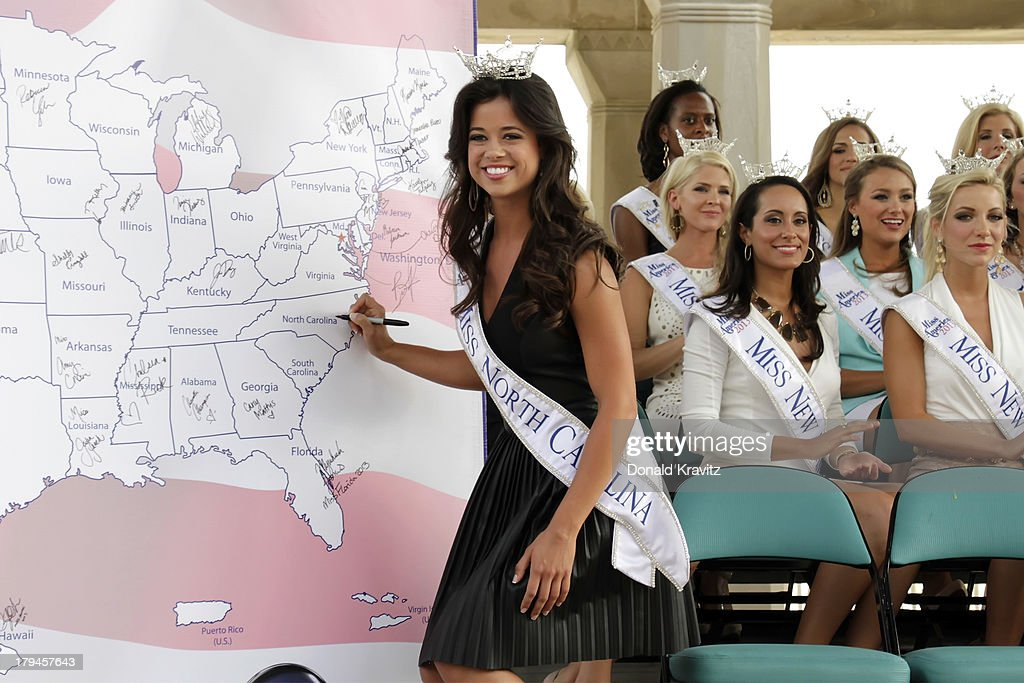 Johna Edmonds, Miss North Carolina attends 2014 Miss America Contestants Photo Call at Kennedy Plaza on September 3, 2013 in Atlantic City, New Jersey.