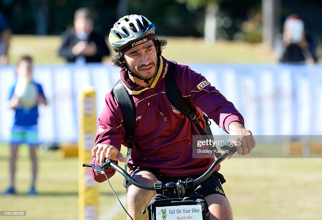 <a gi-track='captionPersonalityLinkClicked' href=/galleries/search?phrase=Johnathan+Thurston&family=editorial&specificpeople=233427 ng-click='$event.stopPropagation()'>Johnathan Thurston</a> arrives to training on his bike during a Queensland Maroons State of Origin training session on May 29, 2016 in Gold Coast, Australia.