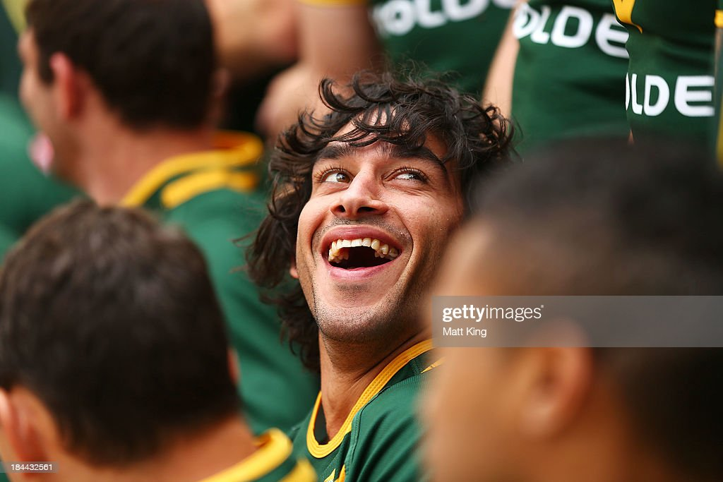 <a gi-track='captionPersonalityLinkClicked' href=/galleries/search?phrase=Johnathan+Thurston&family=editorial&specificpeople=233427 ng-click='$event.stopPropagation()'>Johnathan Thurston</a> interacts with other players during an Australian Kangaroos Rugby League World Cup teamphoto session at Crowne Plaza, Coogee on October 14, 2013 in Sydney, Australia.