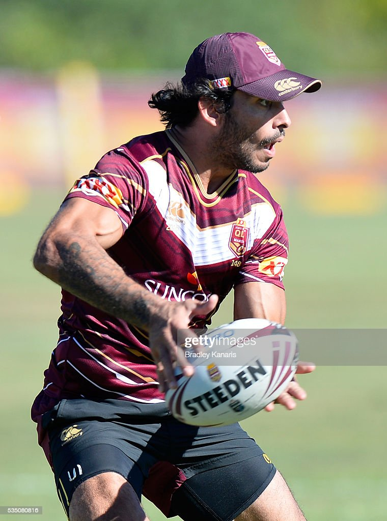 <a gi-track='captionPersonalityLinkClicked' href=/galleries/search?phrase=Johnathan+Thurston&family=editorial&specificpeople=233427 ng-click='$event.stopPropagation()'>Johnathan Thurston</a> passes the ball during a Queensland Maroons State of Origin training session on May 29, 2016 in Gold Coast, Australia.