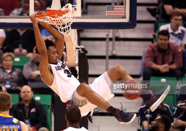 Johnathan Williams of the Gonzaga Bulldogs dunks in the second half against the South Dakota State Jackrabbits during the first round of the 2017...