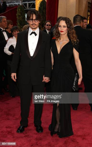 Johnny Depp and Vanessa Paradis arrive for the 80th Academy Awards at the Kodak Theatre Los Angeles
