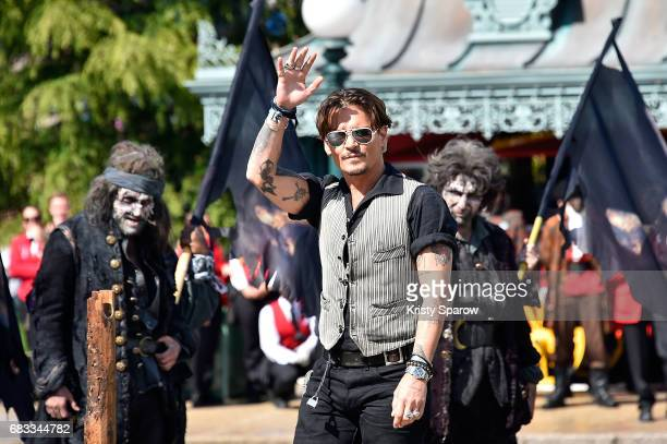 PARIS MAY 14 Johnny Depp attends the European Premiere to celebrate the release of Disney's 'Pirates of the Caribbean Salazar's Revenge' at...