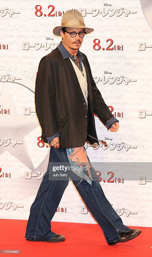 <a gi-track='captionPersonalityLinkClicked' href=/galleries/search?phrase=Johnny+Depp&family=editorial&specificpeople=202150 ng-click='$event.stopPropagation()'>Johnny Depp</a> attends 'The Lone Ranger' photo call at the Park Hyatt Hotel on July 17, 2013 in Tokyo, Japan.