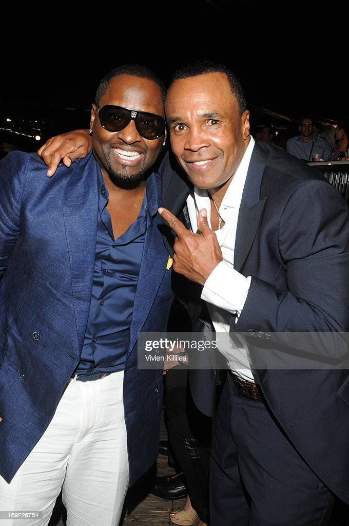 <a gi-track='captionPersonalityLinkClicked' href=/galleries/search?phrase=Johnny+Gill&family=editorial&specificpeople=233428 ng-click='$event.stopPropagation()'>Johnny Gill</a> and <a gi-track='captionPersonalityLinkClicked' href=/galleries/search?phrase=Sugar+Ray+Leonard&family=editorial&specificpeople=206479 ng-click='$event.stopPropagation()'>Sugar Ray Leonard</a> attend B. Riley & Co. & The <a gi-track='captionPersonalityLinkClicked' href=/galleries/search?phrase=Sugar+Ray+Leonard&family=editorial&specificpeople=206479 ng-click='$event.stopPropagation()'>Sugar Ray Leonard</a> Foundation Present The 4th Annual 'Big Fighters, Big Cause' Charity Fight Night To Benefit Juvenile Diabetes at Santa Monica Pier on May 21, 2013 in Santa Monica, California.
