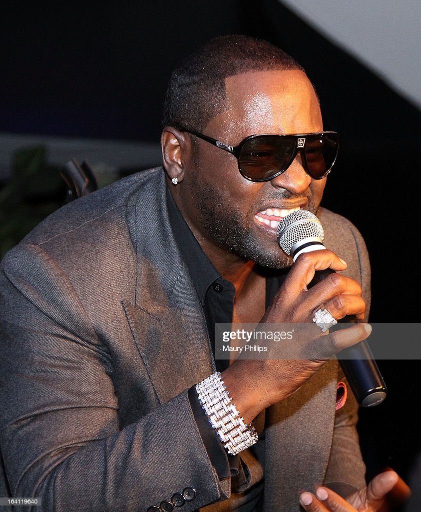 <a gi-track='captionPersonalityLinkClicked' href=/galleries/search?phrase=Johnny+Gill&family=editorial&specificpeople=233428 ng-click='$event.stopPropagation()'>Johnny Gill</a> performs during TV One's 'Unsung' Series Red Carpet event for 'And Now...The World Premiere of <a gi-track='captionPersonalityLinkClicked' href=/galleries/search?phrase=Johnny+Gill&family=editorial&specificpeople=233428 ng-click='$event.stopPropagation()'>Johnny Gill</a>' on March 19, 2013 in Inglewood, California.