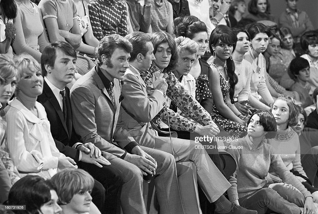[Image: johnny-hallyday-and-antoine-at-the-progr...d160731926]
