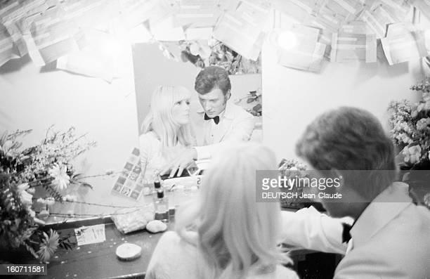 Johnny Hallyday And Sylvie Vartan At The Olympia Paris 16 mars 1967 Portrait de Johnny HALLYDAY en concert avec son épouse Sylvie VARTAN à l'Olympia...