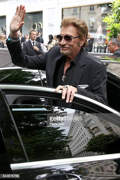 Johnny Hallyday arrives at the Christian Dior Haute Couture Fall/Winter 20162017 show as part of Paris Fashion Week on July 4 2016 in Paris France