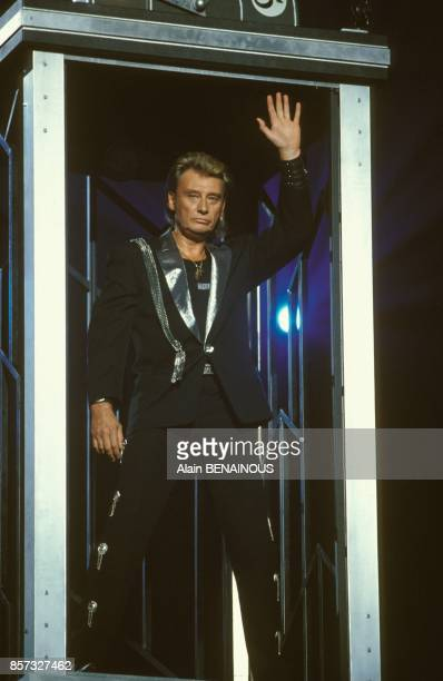 Johnny Hallyday en concert au Palais omnisports de ParisBercy le 15 septembre 1992 a Paris France
