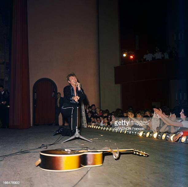 Johnny Hallyday On Tour In France Concert de Johnny HALLYDAY lors de sa tournée en 1963
