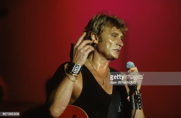 Johnny Hallyday sur scene lors du concert de SOS Racisme le 8 juin 1991 a Vincennes France