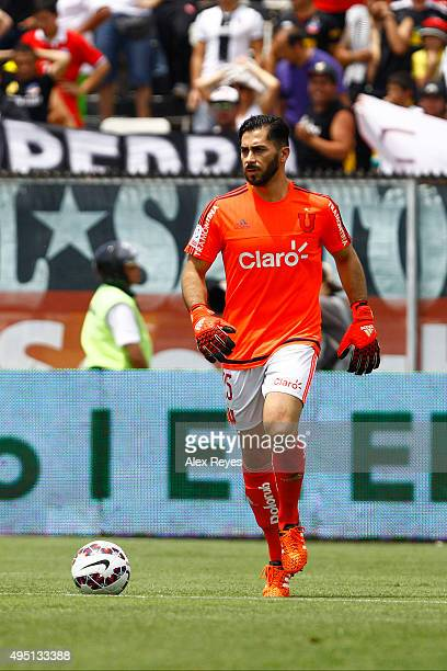 Johnny Herrera of U de Chile controls the ball during a match between Colo Colo and U de Chile as part of Campeonato Apertura 2015 at Monumental...