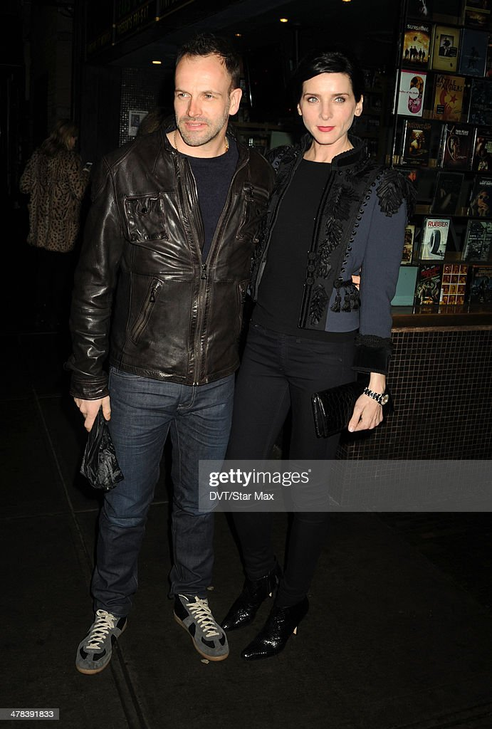Johnny Lee Miller and <a gi-track='captionPersonalityLinkClicked' href=/galleries/search?phrase=Michele+Hicks&family=editorial&specificpeople=707706 ng-click='$event.stopPropagation()'>Michele Hicks</a> are seen on March 12, 2014 in New York City.