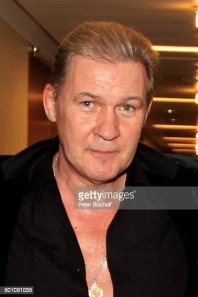 johnny logan cantante foto e immagini stock getty images. Black Bedroom Furniture Sets. Home Design Ideas