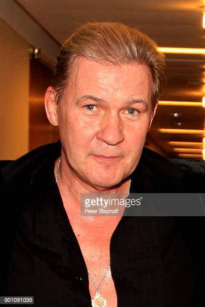 johnny logan s nger stock fotos und bilder getty images. Black Bedroom Furniture Sets. Home Design Ideas