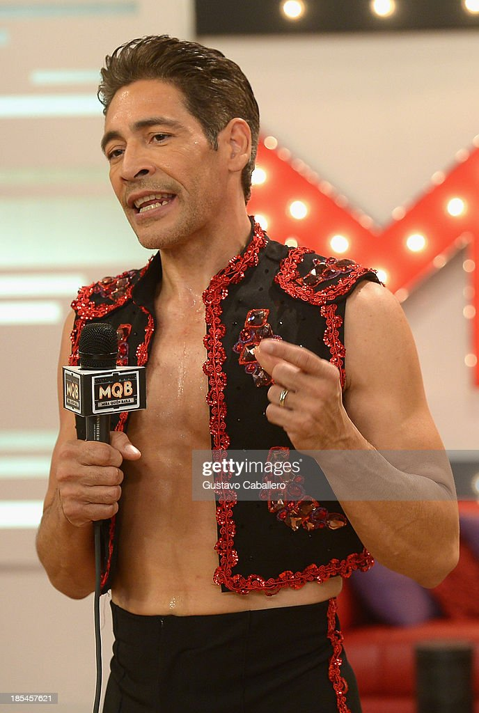 <a gi-track='captionPersonalityLinkClicked' href=/galleries/search?phrase=Johnny+Lozada&family=editorial&specificpeople=7994478 ng-click='$event.stopPropagation()'>Johnny Lozada</a> attends the set of Mira Quien Baila at Univision Headquarters on October 20, 2013 in Miami, Florida.