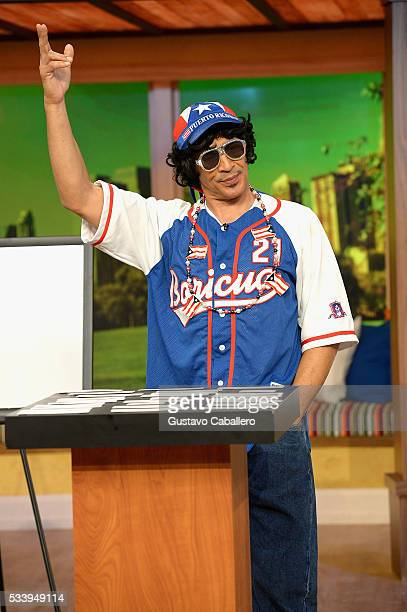 Johnny Lozada is on the set of Univision's 'Despierta America' at Univision Studios on May 24 2016 in Miami Florida
