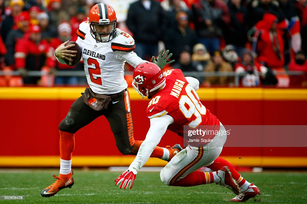 Johnny Manziel #2 of the Cleveland Browns avoids the tackle of Josh Mauga #90 of the Kansas City Chiefs at Arrowhead Stadium during the fourth quarter of the game on December 27, 2015 in Kansas City, Missouri.