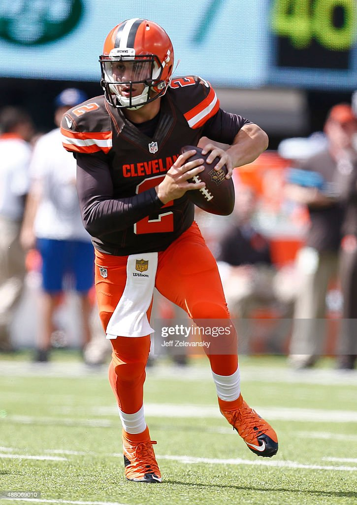 Johnny Manziel #2 of the Cleveland Browns rolls out against the New ... Johnny Manziel Rich
