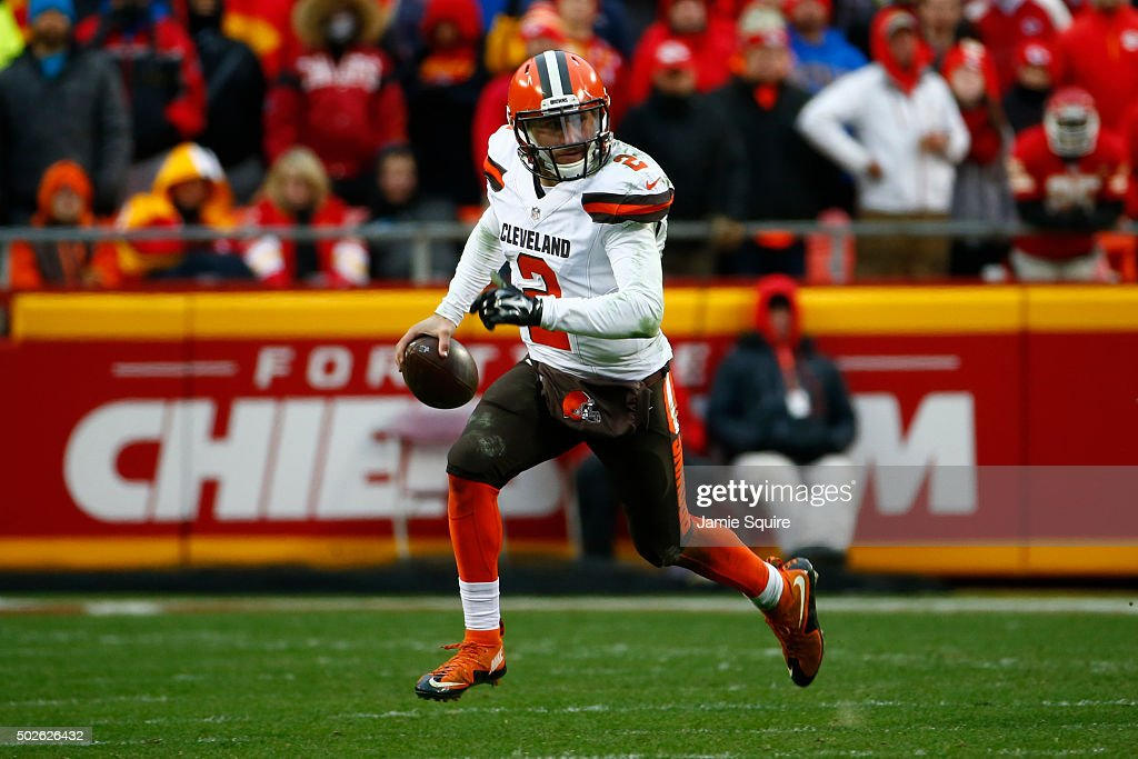 Johnny Manziel #2 of the Cleveland Browns rolls out of the pocket at Arrowhead Stadium during the fourth quarter of the game against the Kansas City Chiefs on December 27, 2015 in Kansas City, Missouri.