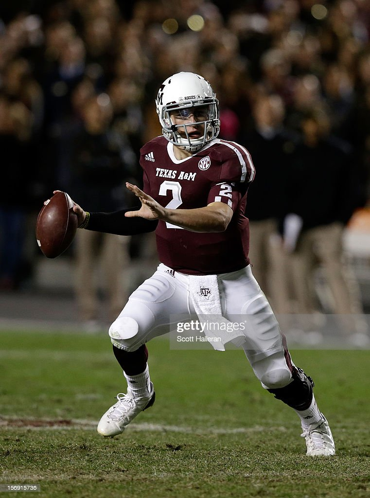 Johnny Manziel #2 of the Texas A&M Aggies looks to pass during their game against the Missouri Tigers at Kyle Field on November 24, 2012 in College Station, Texas.
