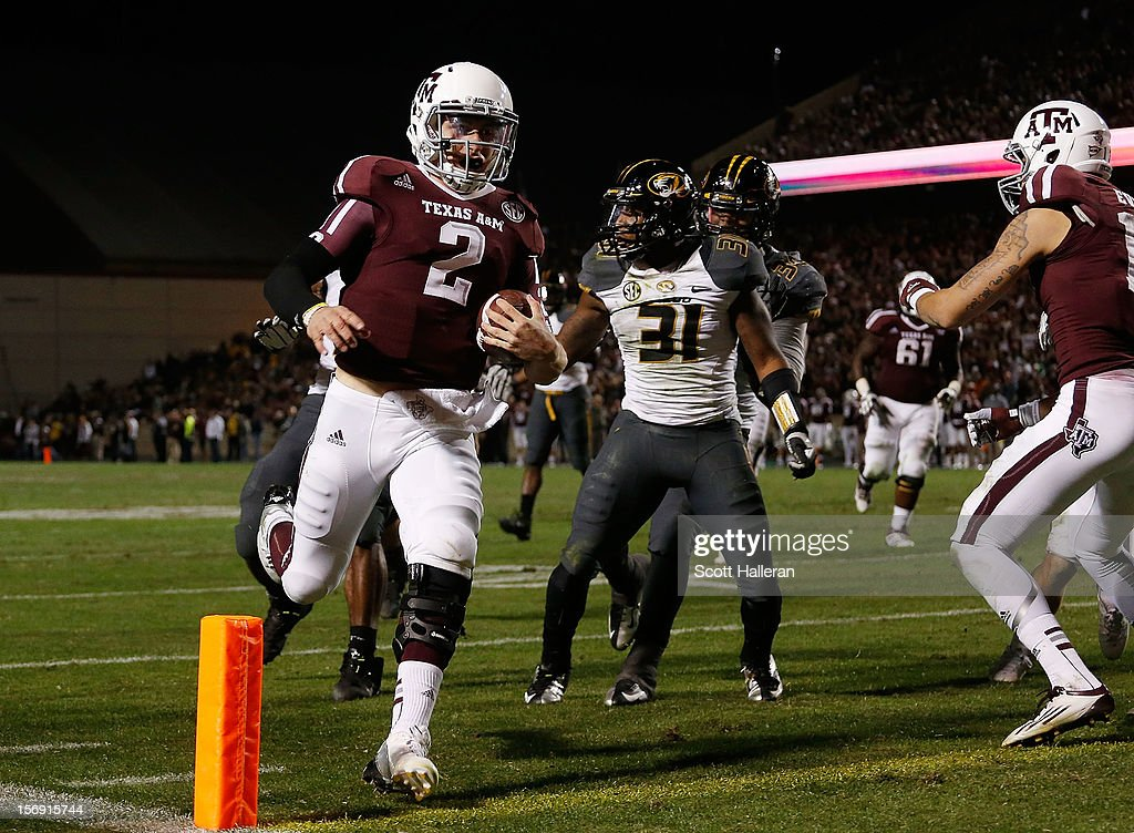 Johnny Manziel #2 of the Texas A&M Aggies runs for a third quarter touchdown during their game against the Missouri Tigers at Kyle Field on November 24, 2012 in College Station, Texas.