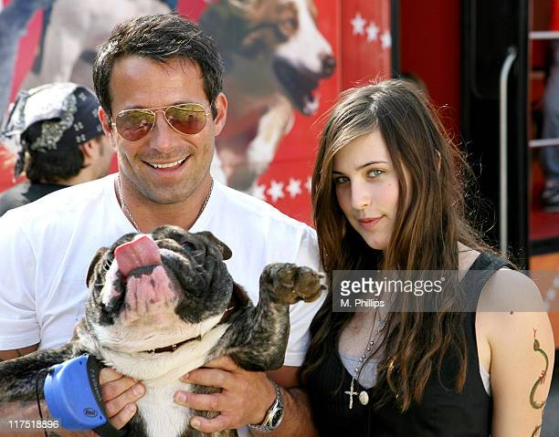 Johnny Messner Scout Willis and Bubba during Old Navy Nationwide Search for New Canine Mascot April 29 2006 at Franklin Canyon Park in Beverly Hills...