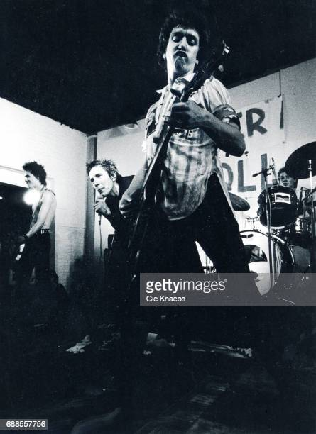 Johnny Rotten Sid Vicious Steve Jones Paul Cook The Sex Pistols De Effenaar Eindhoven Holland December 1977