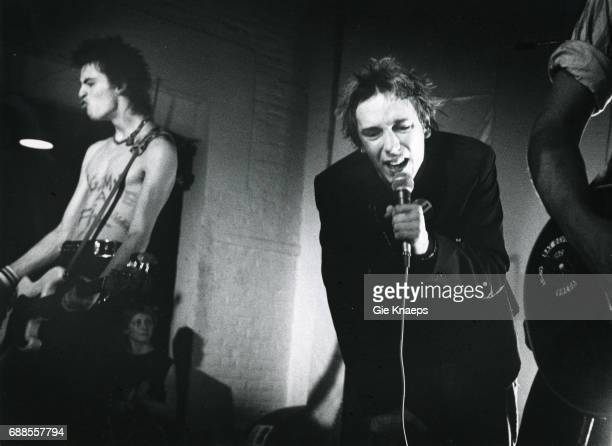 Johnny Rotten Sid Vicious The Sex Pistols De Effenaar Eindhoven Holland December 1977
