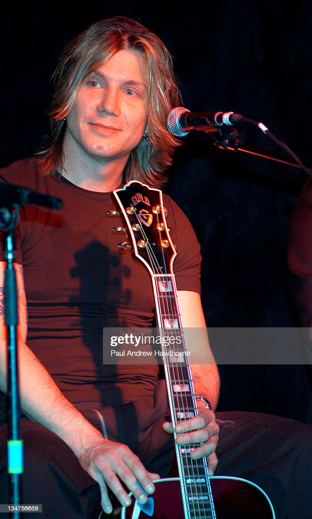 Johnny Rzeznik during VH1 Songwriters in The Round Generations 2 at China Club in New York City New York United States