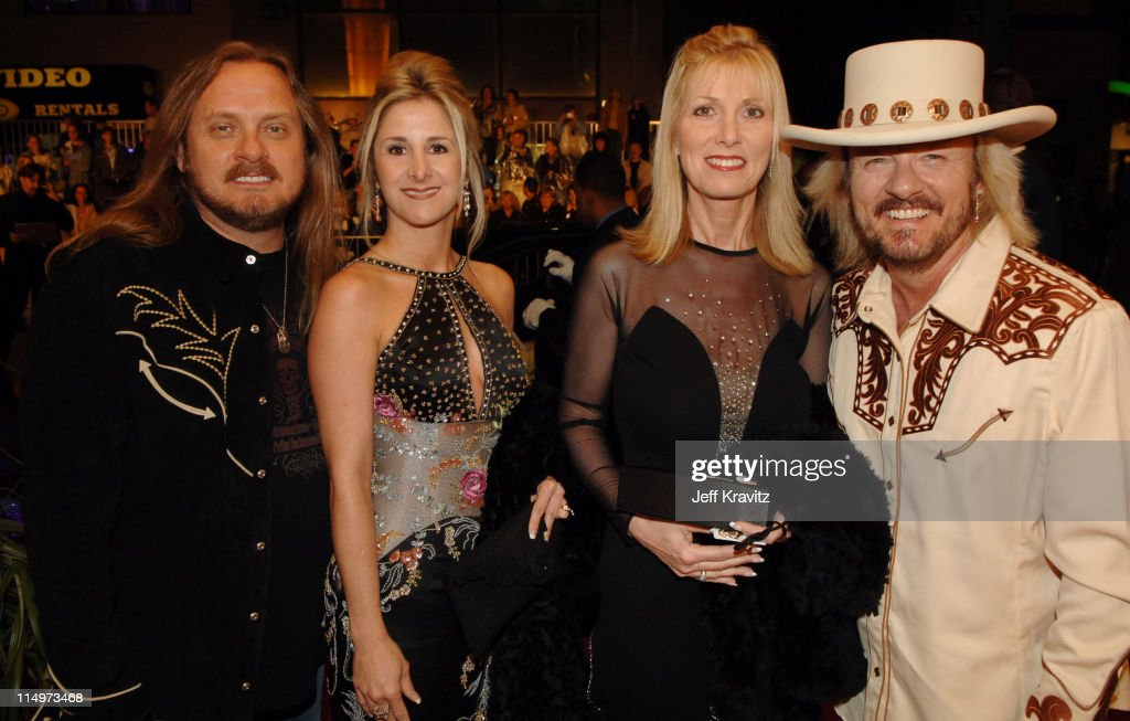 <a gi-track='captionPersonalityLinkClicked' href=/galleries/search?phrase=Johnny+Van+Zant&family=editorial&specificpeople=213799 ng-click='$event.stopPropagation()'>Johnny Van Zant</a> (left), <a gi-track='captionPersonalityLinkClicked' href=/galleries/search?phrase=Donnie+Van+Zant&family=editorial&specificpeople=226742 ng-click='$event.stopPropagation()'>Donnie Van Zant</a> (right) and guests