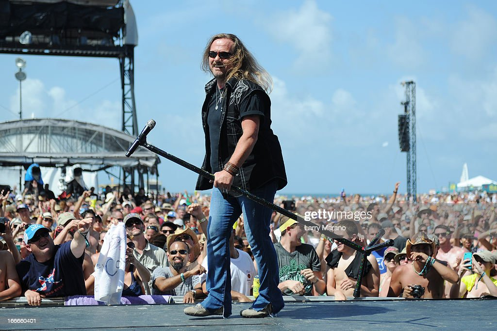 <a gi-track='captionPersonalityLinkClicked' href=/galleries/search?phrase=Johnny+Van+Zant&family=editorial&specificpeople=213799 ng-click='$event.stopPropagation()'>Johnny Van Zant</a> of Lynyrd Skynyrd performs during the Rock The Oceans Tortuga Festival on April 14, 2013 in Fort Lauderdale, Florida.