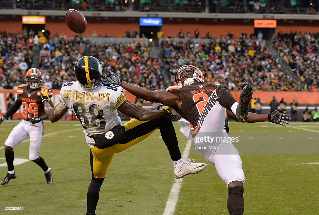 Johnson Bademosi #24 of the Cleveland Browns breaks up a pass intended for Darrius Heyward-Bey #88 of the Pittsburgh Steelers during the fourth quarter at FirstEnergy Stadium on January 3, 2016 in Cleveland, Ohio.