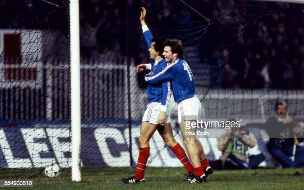 Joie Bruno BELLONE / Michel PLATINI France / Angleterre Match Amical