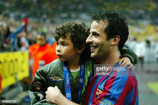 Joie Ludovic GIULY avec son fils Barcelone / Arsenal Finale Champions League
