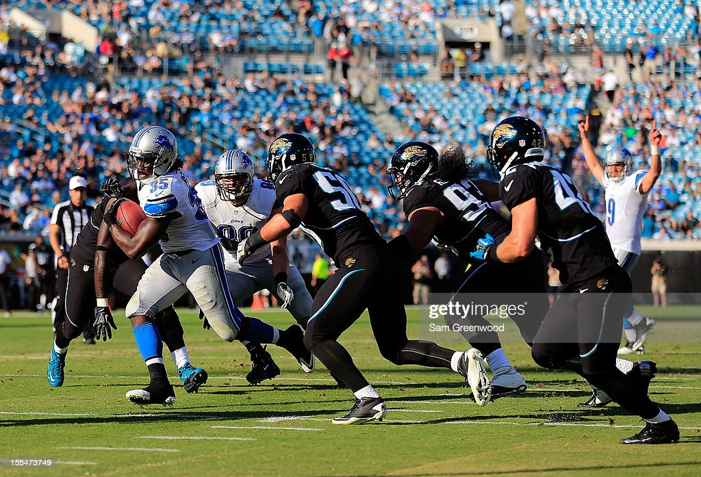Joique Bell #35 of the Detroit Lions runs for a touchdown during the game against the Jacksonville Jaguars at EverBank Field on November 4, 2012 in Jacksonville, Florida.