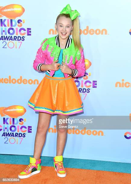 JoJo Siwa arrives at the Nickelodeon's 2017 Kids' Choice Awards at USC Galen Center on March 11 2017 in Los Angeles California