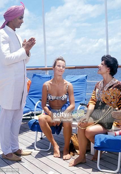 Jolly Kunjappu Britta Schmeling Olivia Silhavy ZDFReihe 'Traumschiff' Folge 22 'Indien/Malediven' Episode 3 'Der verarmte Maharadscha' Indien/Asien...