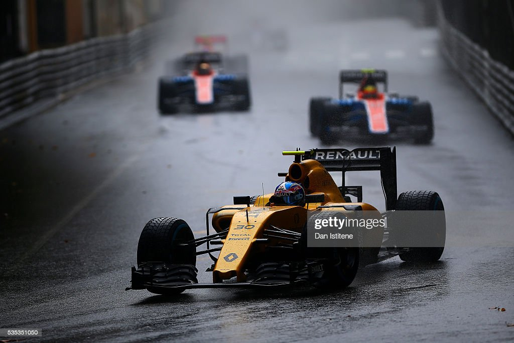 <a gi-track='captionPersonalityLinkClicked' href=/galleries/search?phrase=Jolyon+Palmer&family=editorial&specificpeople=7493068 ng-click='$event.stopPropagation()'>Jolyon Palmer</a> of Great Britain drives the 0 Renault Sport Formula One Team Renault RS16 Renault RE16 turbo during the Monaco Formula One Grand Prix at Circuit de Monaco on May 29, 2016 in Monte-Carlo, Monaco.