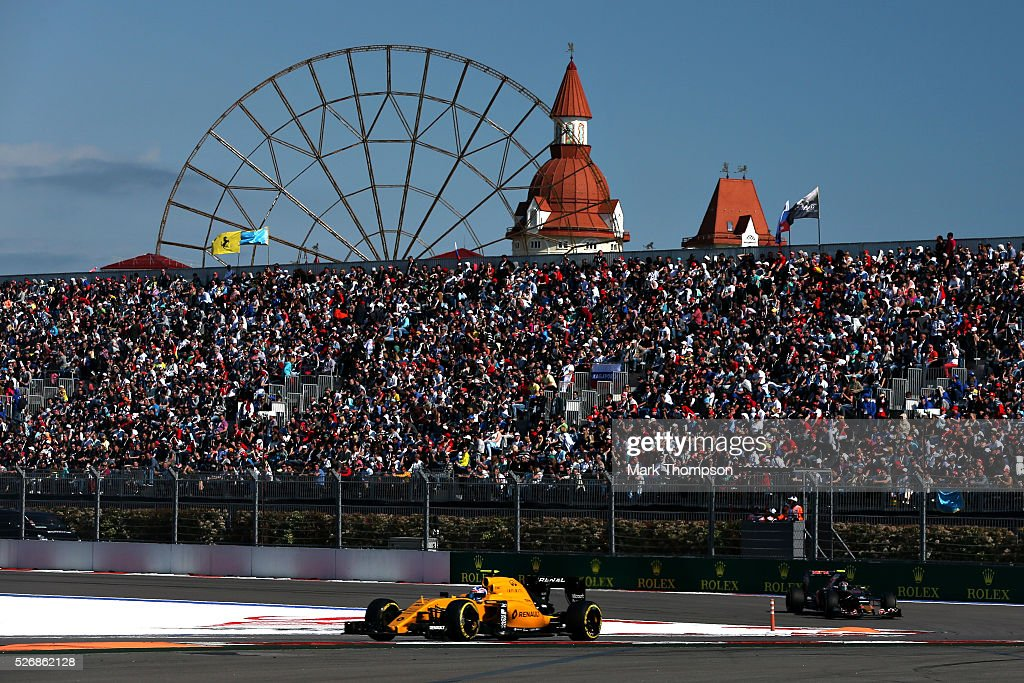 <a gi-track='captionPersonalityLinkClicked' href=/galleries/search?phrase=Jolyon+Palmer&family=editorial&specificpeople=7493068 ng-click='$event.stopPropagation()'>Jolyon Palmer</a> of Great Britain driving the (30) Renault Sport Formula One Team Renault RS16 Renault RE16 turbo on track during the Formula One Grand Prix of Russia at Sochi Autodrom on May 1, 2016 in Sochi, Russia.